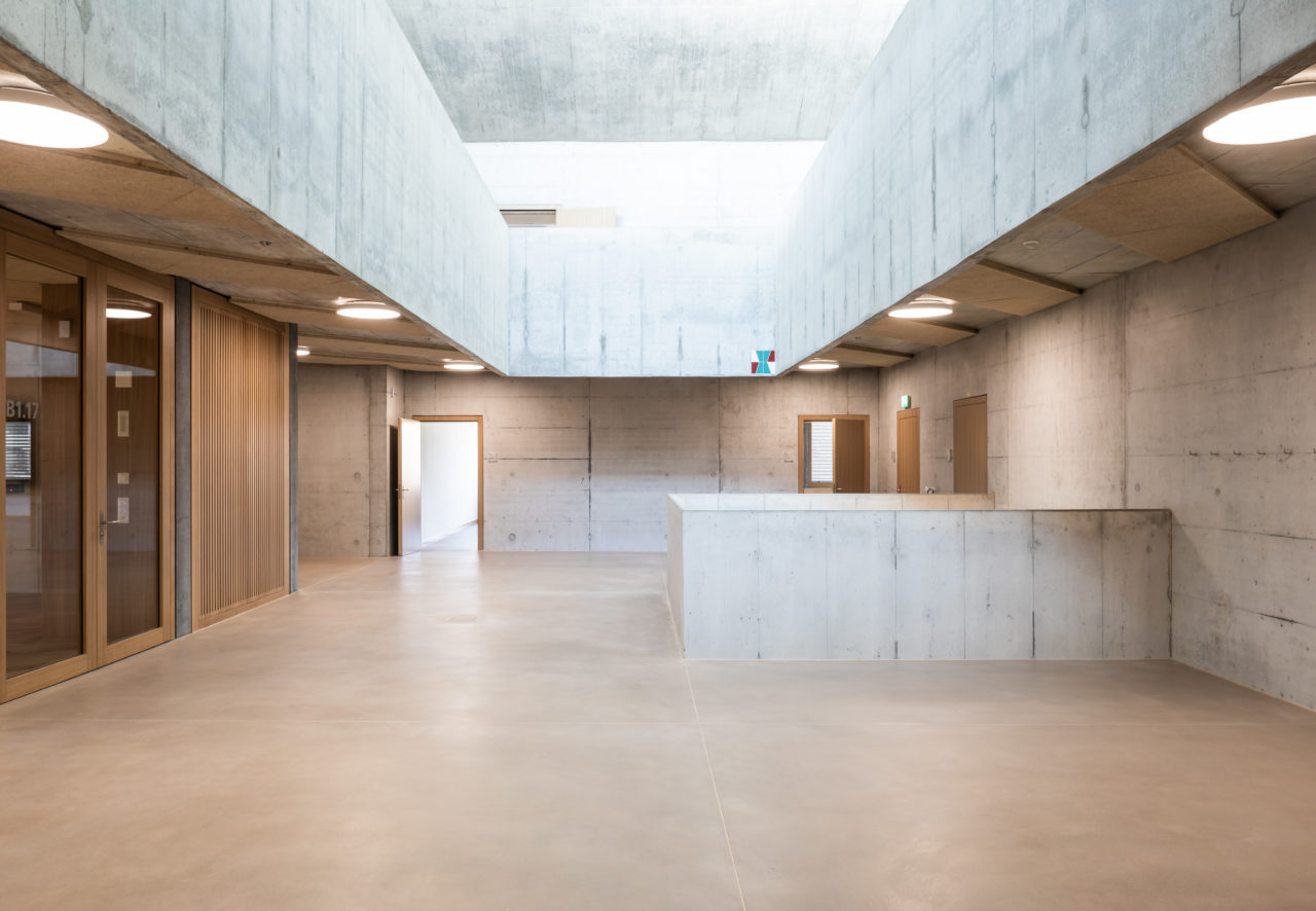 03_lernatelier_foyer_beton